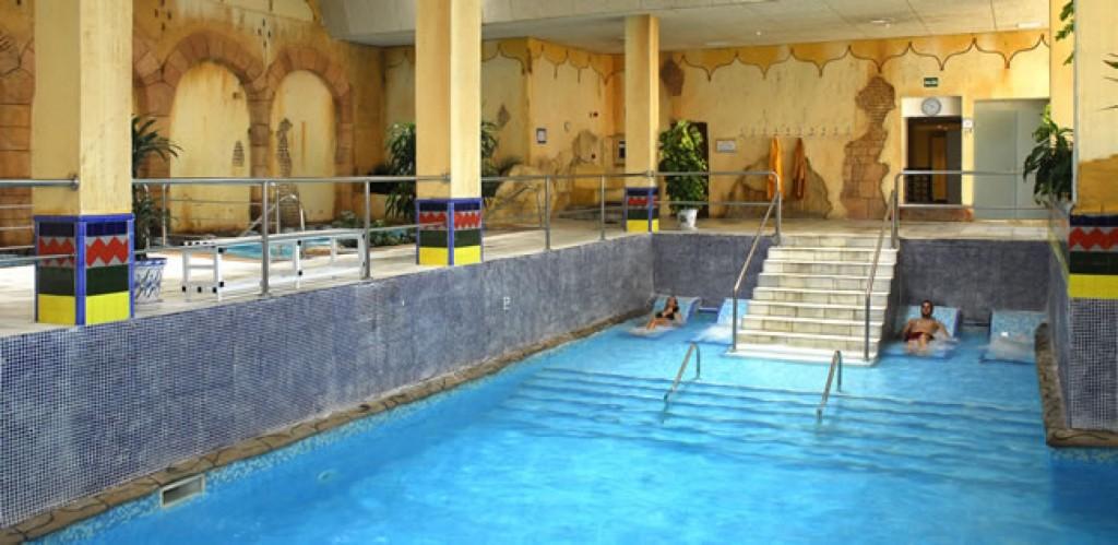 Top ten hoteles para ir con ni os con piscina climatizada for Casa rural piscina climatizada interior