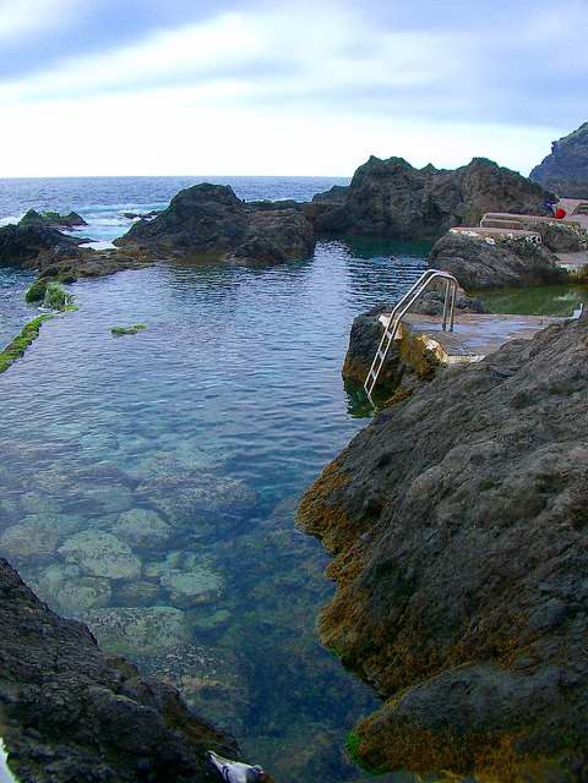 Tenerife un destino completo para disfrutar en familia for Charcos naturales en tenerife