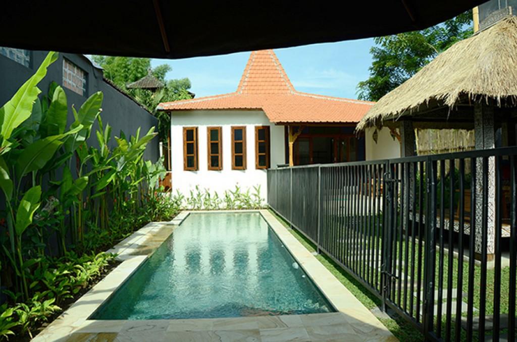 villa bali con piscina vallada niños