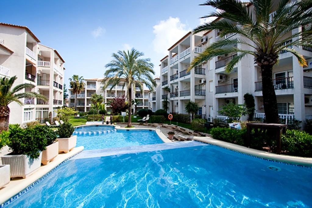 hotel-con-piscina-niños