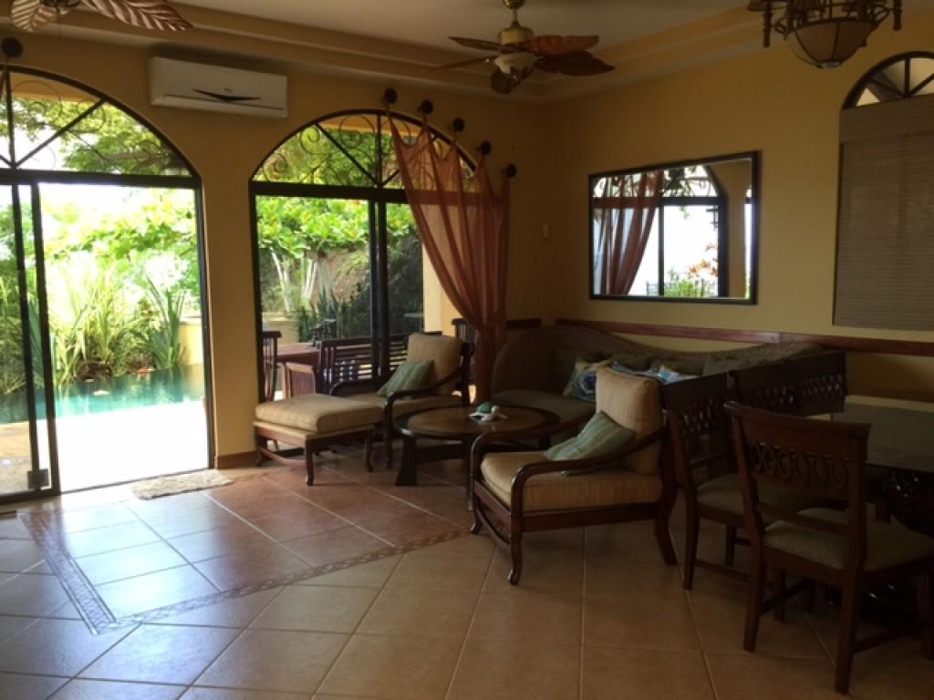 villa costa rica con piscina