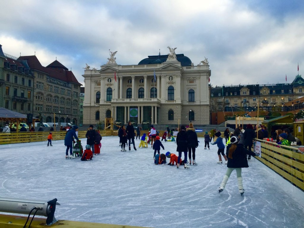 patinar-sobre-hielo-con-niños